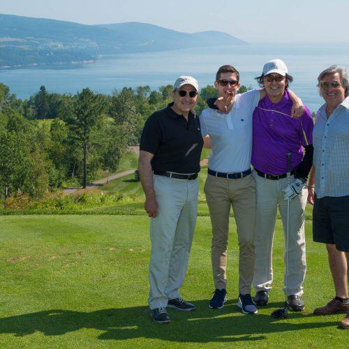 Martin Cauchon joue au golf
